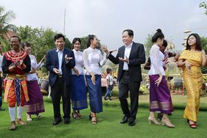 Đặc sắc, sôi động Tuần 'Đại đoàn kết các dân tộc - Di sản văn hóa Việt Nam' năm 2018