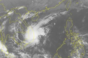 Bão số 8 suy giảm thành áp thấp nhiệt đới