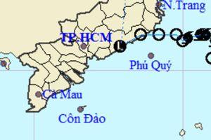 Áp thấp nhiệt đới suy yếu, Nam Bộ vẫn hứng mưa to