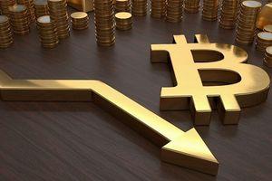 Tài chính tuần qua: Bitcoin có thể xuống 1.500 USD, tiền thật theo tiền ảo 'chạy' ra nước ngoài