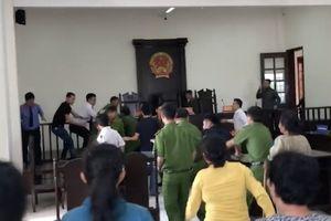 TP HCM: Đề nghị truy tố 2 người đuổi đánh kiểm sát viên ngay tại Tòa