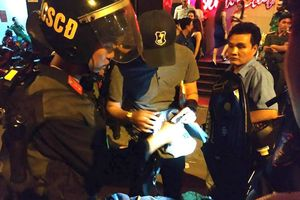 TPHCM: 'Đột kích' 2 quán bar, đưa 100 người nghi vấn chơi ma túy đi kiểm tra