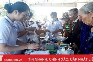 Khám, cấp phát thuốc miễn phí cho gần 200 người dân xã Kỳ Nam