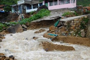 Chủ động ứng phó và khẩn trương khắc phục hậu quả hoàn lưu bão số 8