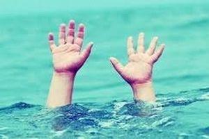 Đi tắm sông, 3 học sinh bị chết đuổi thương tâm