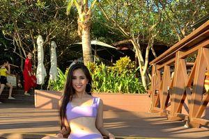 Hoa hậu Tiểu Vy diện bikini, khoe cơ bụng săn chắc