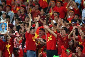 CĐV Việt Nam đông gấp 5 lần Thái Lan, cuồng nhiệt nhất AFF Cup 2018!