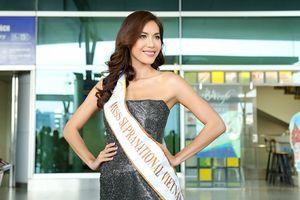 Lên đường tới Miss Supranational 2018, Minh Tú gây tắc nghẽn tại sân bay