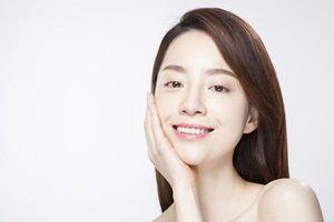 Người phụ nữ U40 sở hữu nhan sắc trẻ trung, làn da căng mịn khác xa tuổi thật nhờ làm 8 điều đơn giản này mỗi ngày