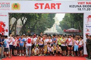 Khởi tranh Giải chạy tiếp sức Kizuna Ekiden 2018- 'Chạy vì An toàn giao thông'