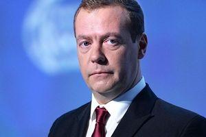 Thủ tướng Nga Dmitry Medvedev bắt đầu thăm chính thức Việt Nam