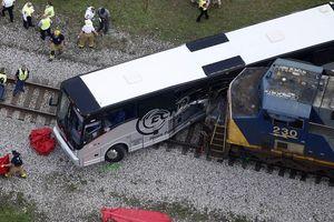 Tàu hỏa va chạm với xe bus tại Nga, ít nhất 5 người tử vong