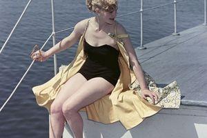 Bất ngờ về thời trang thanh lịch và gợi cảm của phụ nữ Liên Xô
