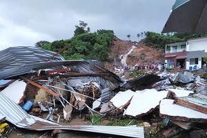 Mưa gây sạt lở kinh hoàng ở Nha Trang làm 13 người chết