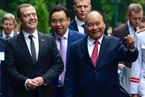 Thủ tướng Nguyễn Xuân Phúc đón Thủ tướng Nga thăm chính thức Việt Nam