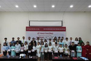 Agribank Đà Nẵng trao học bổng cho 28 tân sinh viên sư phạm