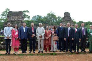 Tổng thống Ấn Độ Ram Nath Kovind đến thăm quan Khu di tích Đền tháp Mỹ Sơn