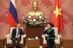 Chủ tịch Quốc hội hội kiến Thủ tướng Nga