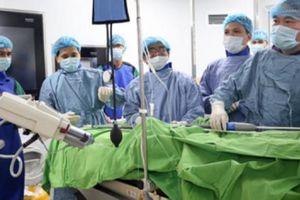 Người dân hưởng lợi từ bệnh viện vệ tinh