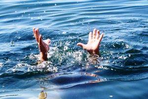 TT-Huế: Tắm biển, 2 du khách nước ngoài chết đuối thương tâm
