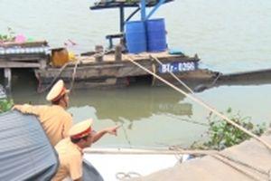 Chủ thuyền chở hóa chất chưa cung cấp được giấy phép