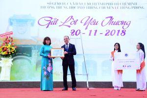 Tổng Lãnh sự quán Pháp trao nhãn hiệu LabelFrancEducation cho hai trường học tại TP Hồ Chí Minh