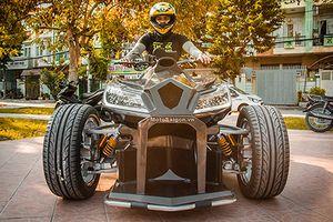 Siêu môtô Honda CBR1000RR độ 4 bánh độc nhất Việt Nam