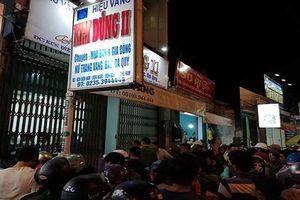 Nam thanh niên cầm búa xông vào cướp tiệm vàng ở Quảng Nam