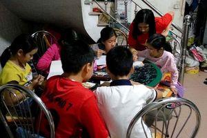'Giáo viên nhí', dạy miễn phí cho 'học sinh' nghèo cùng trường