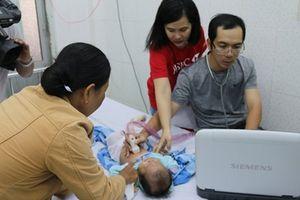 Khám sàng lọc dị tật bẩm sinh miễn phí cho 1.550 trẻ em nghèo