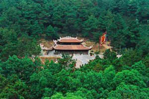 Dịp 20/11 về Hải Dương thăm đền Chu Văn An-ông tổ của ngành giáo dục Việt Nam