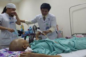 Giáo sư Pháp chỉ cách giúp Việt Nam xử lý bệnh ung thư