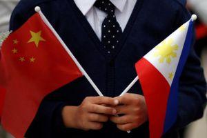 Nghe Mỹ cảnh báo, Philippines vội rà soát lại những khoản vay từ Trung Quốc