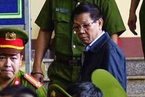 Tiếp tục xét xử vụ đánh bạc nghìn tỷ: Ông Phan Văn Vĩnh nói gì về những món quà 'xa xỉ'?