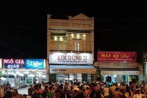 Truy tìm thanh niên táo tợn đập tủ cướp tiệm vàng ở Quảng Nam