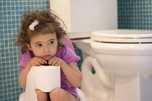 Giúp mẹ nhận biết và phòng ngừa và điều trị chứng táo bón tại nhà cho trẻ