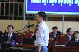 Ông 'trùm' Phan Sào Nam rơi nước mắt khi được nhắc đến 2 con