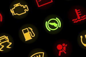 5 tín hiệu đèn cảnh báo trên ôtô mà người lái nên hiểu rõ để tránh những tai nạn không đáng có