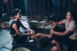 H'Hen Niê bật mí thuở 'chân ướt chân ráo' lên Sài Gòn và câu chuyện cảm động về tâm tư người mẹ
