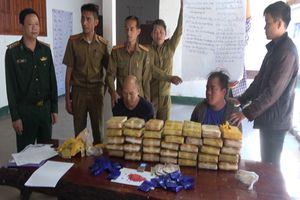 Điện Biên: Bắt 2 đối tượng, thu 210.000 viên ma túy tổng hợp