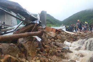 Mưa lũ, sạt lở đất làm 17 người chết và mất tích tại Khánh Hòa