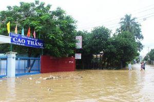 Khánh Hòa: Hơn 90.000 học sinh phải nghỉ học do ngập lũ