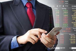 Mất mốc 900 điểm: VN-Index lạc nhịp với thị trường chứng khoán quốc tế