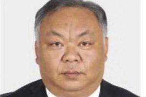 Quan chức 38 tuổi Trung Quốc gây tranh cãi vì trông quá già