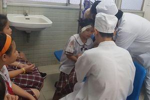 Vụ sập giàn giáo ngày 20/11: trong 25 học sinh nhập viện cấp cứu có 2 em chấn thương sọ não phải phẫu thuật