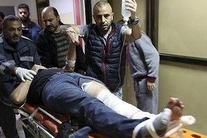 Phóng viên bị bắn trong khi đang đưa tin về cuộc biểu tình ở Gaza
