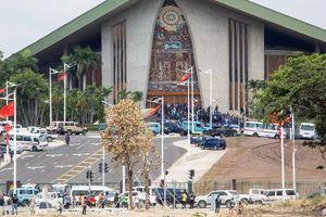 Cảnh sát Papua New Guinea tấn công quốc hội, đòi tiền bảo vệ APEC