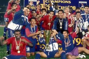Người hùng bất đắc dĩ của bóng đá Singapore