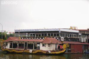 Bến du thuyền bỏ hoang ở hồ Tây: Mòn mỏi chờ chủ trương, hàng tỉ đồng sắp biến thành sắt vụn