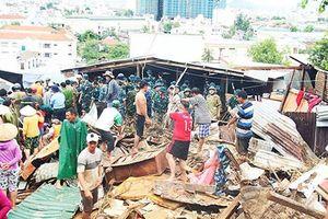 Mưa lũ kinh hoàng ở Nha Trang: Vì sao ngành khí tượng 'gặp khó' khi dự báo?